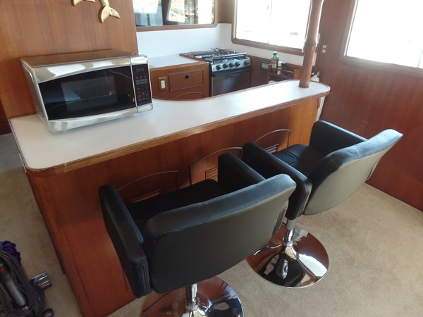Mujuk Marine Trader 1984 Walkaround Bar Stools 1984 MARINE TRADER 50 Walkaround Walkaround 2558527