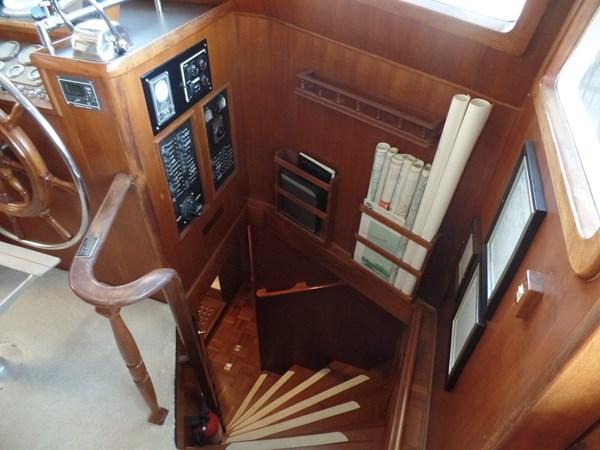 Mujuk Marine Trader 1984 Walkaround Ladder below Deck 1984 MARINE TRADER 50 Walkaround Walkaround 2558542