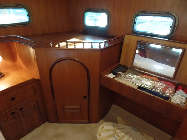 Mujuk Marine Trader 1984 Walkaround Master Stateroom (4) 1984 MARINE TRADER 50 Walkaround Walkaround 2558547