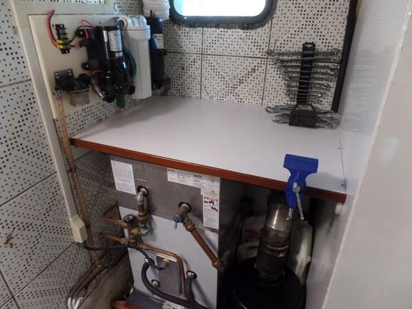 Mujuk Marine Trader 1984 Walkaround Port Engine Room Workbench 1984 MARINE TRADER 50 Walkaround Walkaround 2558552