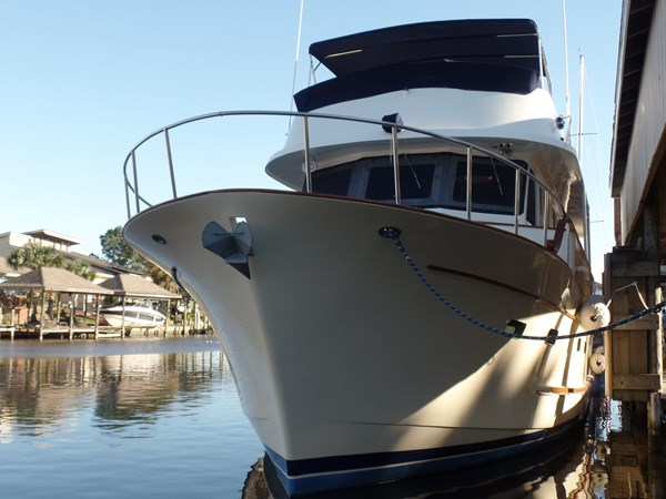 Mujuk Marine Trader 1984 Walkaround Profile Bow 1984 MARINE TRADER 50 Walkaround Walkaround 2558555