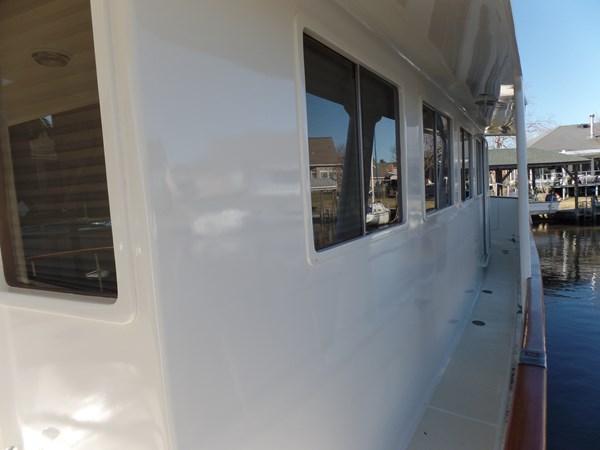 Mujuk Marine Trader 1984 Walkaround Stbd side of House 1984 MARINE TRADER 50 Walkaround Walkaround 2558568