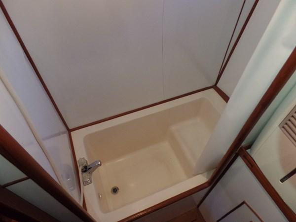 Mujuk Marine Trader 1984 Walkaround VIP Bath 1984 MARINE TRADER 50 Walkaround Walkaround 2558575
