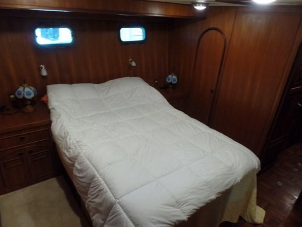 Mujuk Marine Trader 1984 Walkaround VIP Stateroom (2) 1984 MARINE TRADER 50 Walkaround Walkaround 2558576