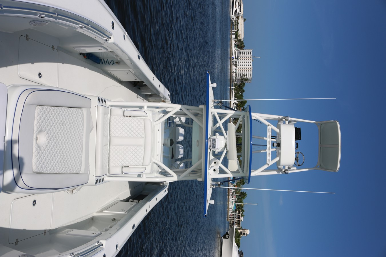 2013 YELLOWFIN 39 Center Console w/Tower Center Console 2563850