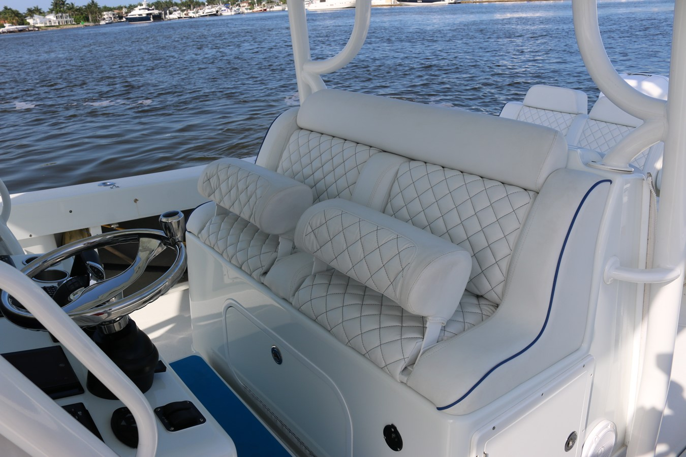 2013 YELLOWFIN 39 Center Console w/Tower Center Console 2563853
