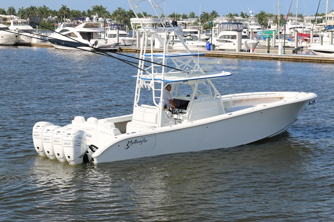 2013 YELLOWFIN 39 Center Console w/Tower Center Console 2563841