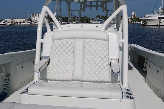 2013 YELLOWFIN 39 Center Console w/Tower Center Console 2563844