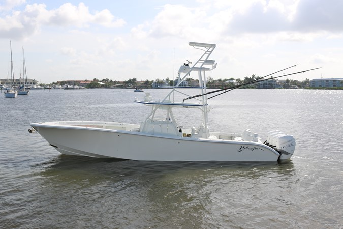 2013 YELLOWFIN 39 Center Console w/Tower Center Console 2563846