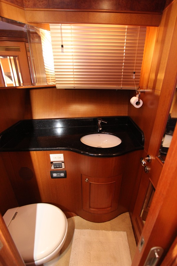 Master Head 2006 OCEAN ALEXANDER Classicco Sedan Trawler 2561741