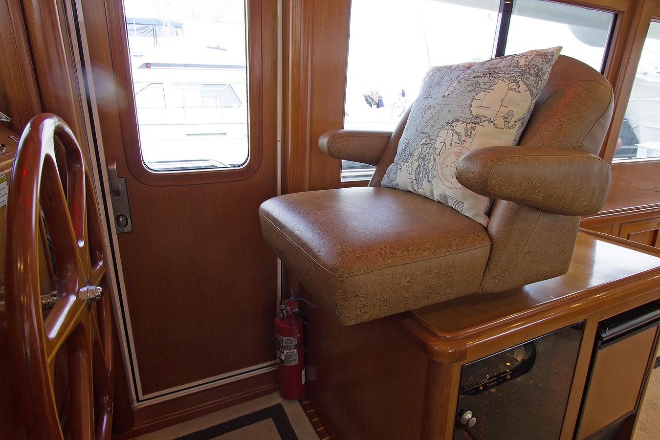 Lower Helm Seat 2006 OCEAN ALEXANDER Classicco Sedan Trawler 2587548