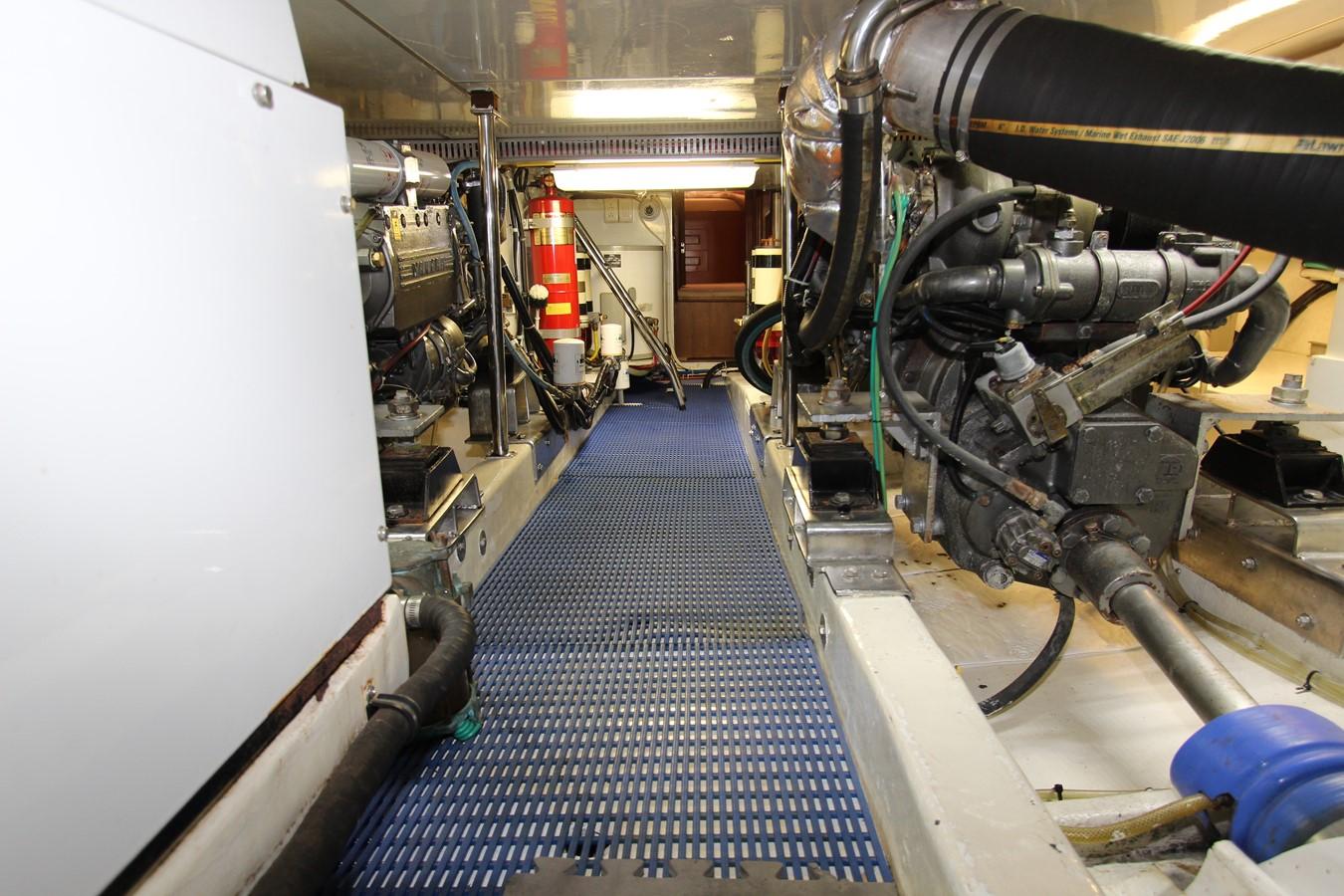 Engine Starboard 2006 OCEAN ALEXANDER Classicco Sedan Trawler 2587756