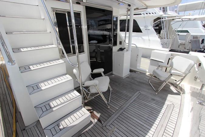 Cockpit and Flybridge Stairs 2006 OCEAN ALEXANDER Classicco Sedan Trawler 2561727