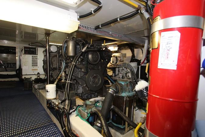 Engine Port 2006 OCEAN ALEXANDER Classicco Sedan Trawler 2561728