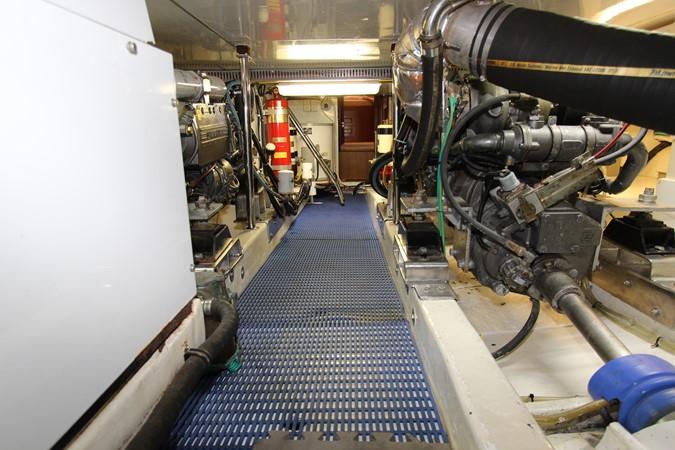 Engine Room Looking Forward 2006 OCEAN ALEXANDER Classicco Sedan Trawler 2561729