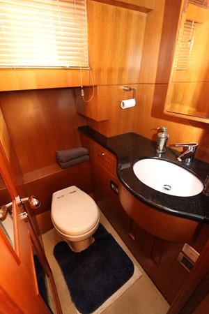 Guest Head 2006 OCEAN ALEXANDER Classicco Sedan Trawler 2561736