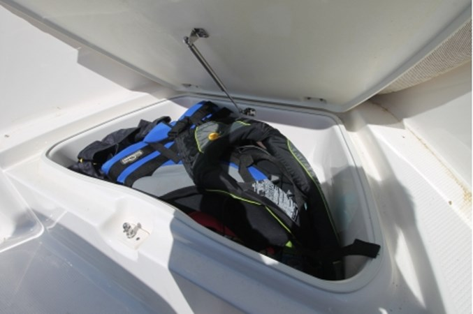 yachtIMG_1632 2018 ROBALO R180 Center Console 2559209