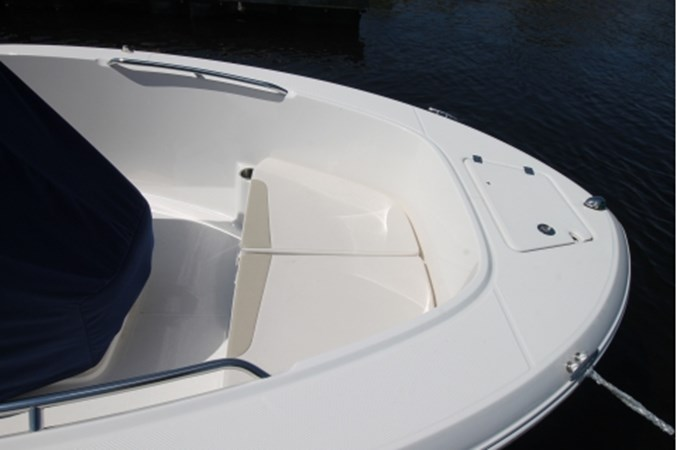 yachtIMG_1626 2018 ROBALO R180 Center Console 2559225