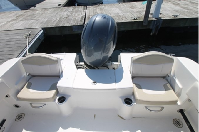 yachtIMG_1630 2018 ROBALO R180 Center Console 2559228