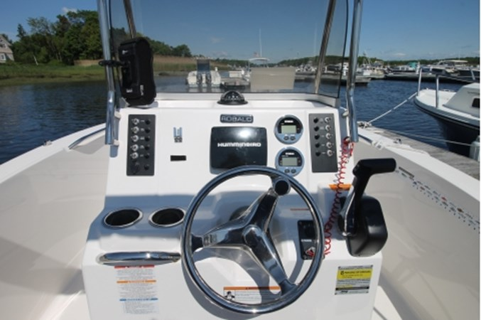 yachtIMG_1633 2018 ROBALO R180 Center Console 2559235