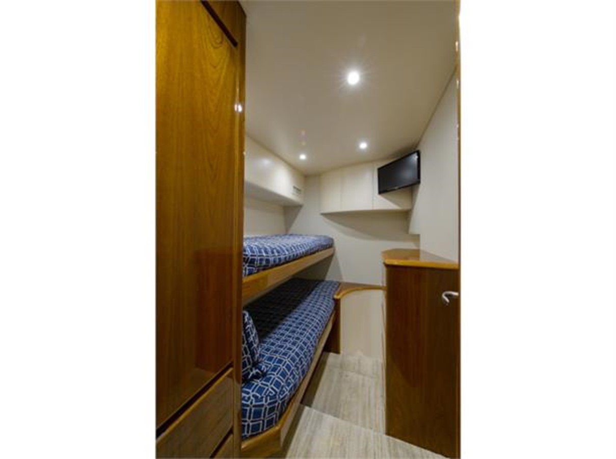 Aft Guest Crew Stateroom 2014 VIKING 66 Convertible Sport Fisherman 2562152