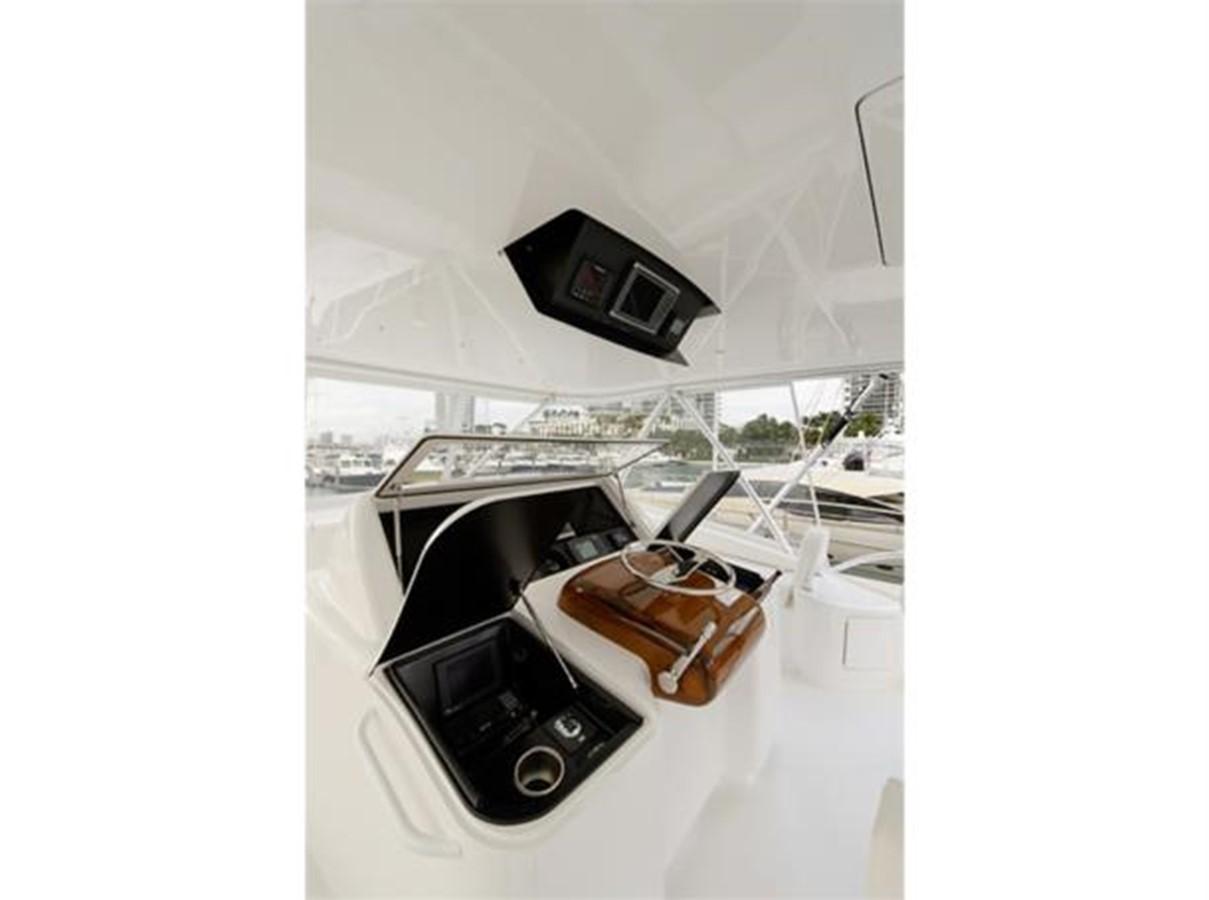 Flybridge Helm Starboard 2014 VIKING 66 Convertible Sport Fisherman 2562166