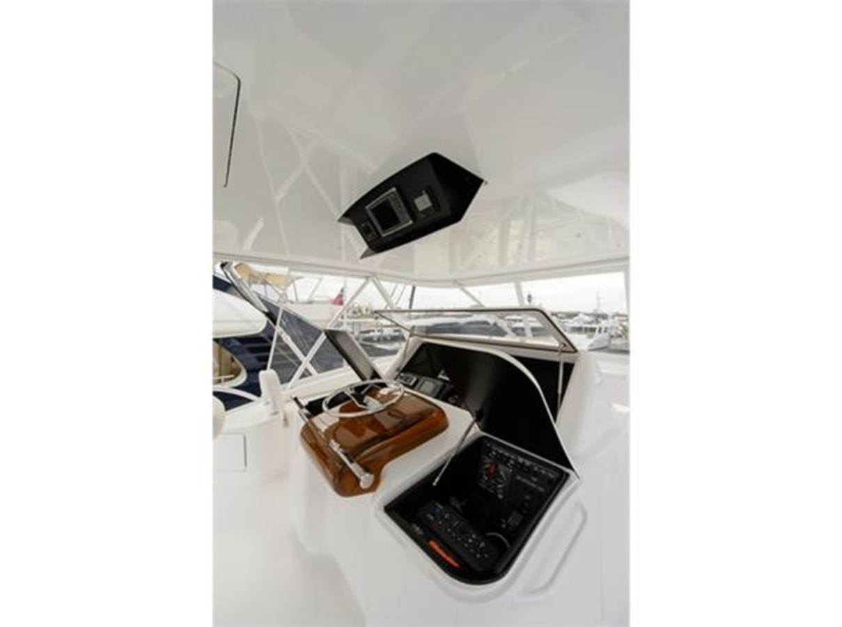 Flybridge Helm Port 2014 VIKING 66 Convertible Sport Fisherman 2562167