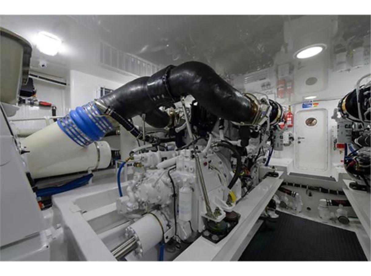Engine Room 2014 VIKING 66 Convertible Sport Fisherman 2562174