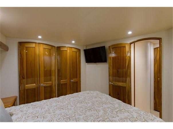 Master Stateroom 2014 VIKING 66 Convertible Sport Fisherman 2562140