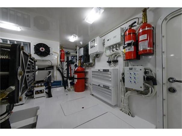 Engine Room Port Forward 2014 VIKING 66 Convertible Sport Fisherman 2562179