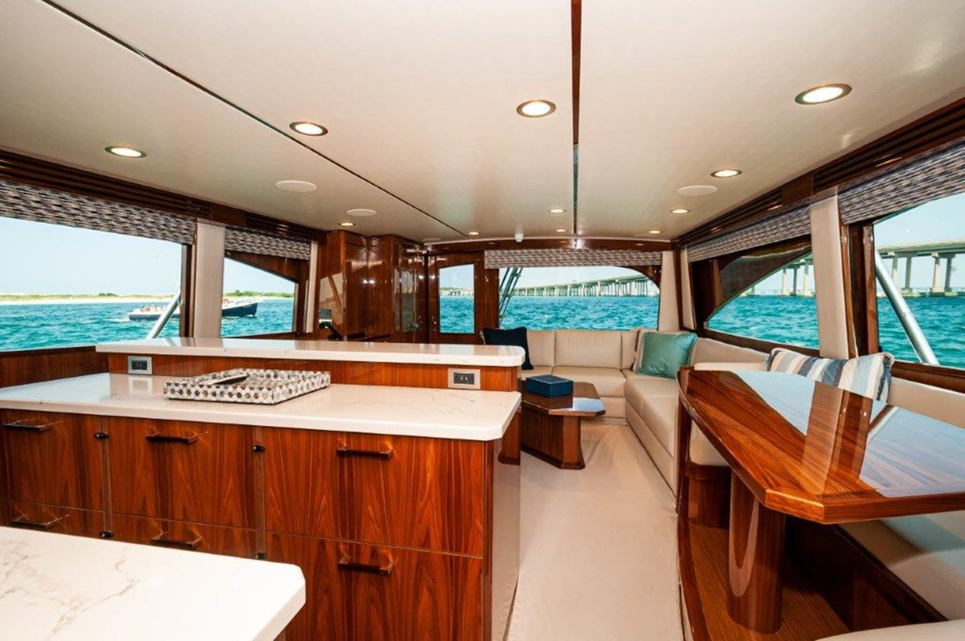 2019 68 Viking Convertible - Salon-4 2019 VIKING 68 Convertible Sport Fisherman 2560048