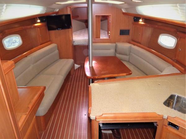 2008 HUNTER 36 Cruising Sailboat 2560579