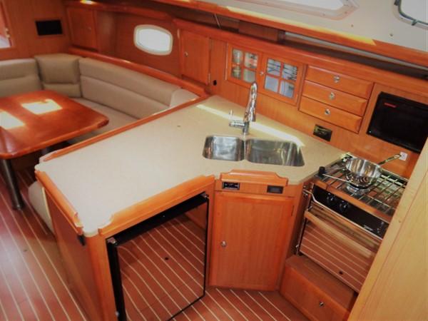 2008 HUNTER 36 Cruising Sailboat 2560580