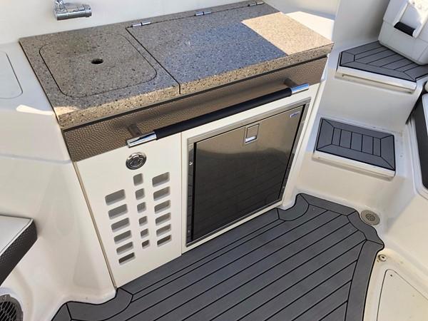 2016 SEA RAY 350 SLX Deck Boat 2560596