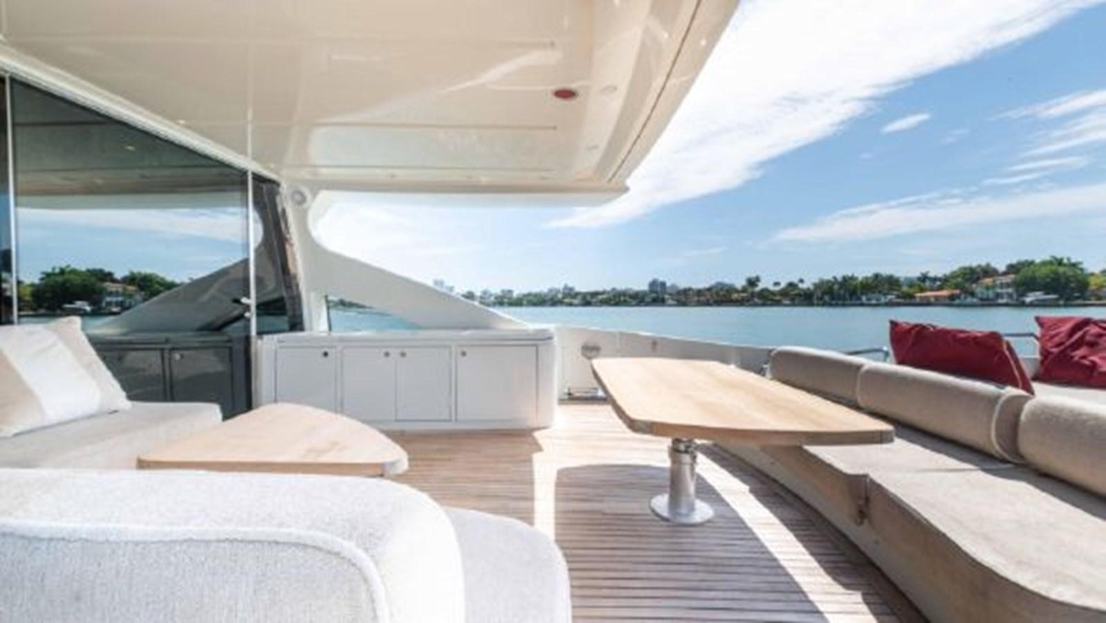 40 2008 AZIMUT 86S Mega Yacht 2713622