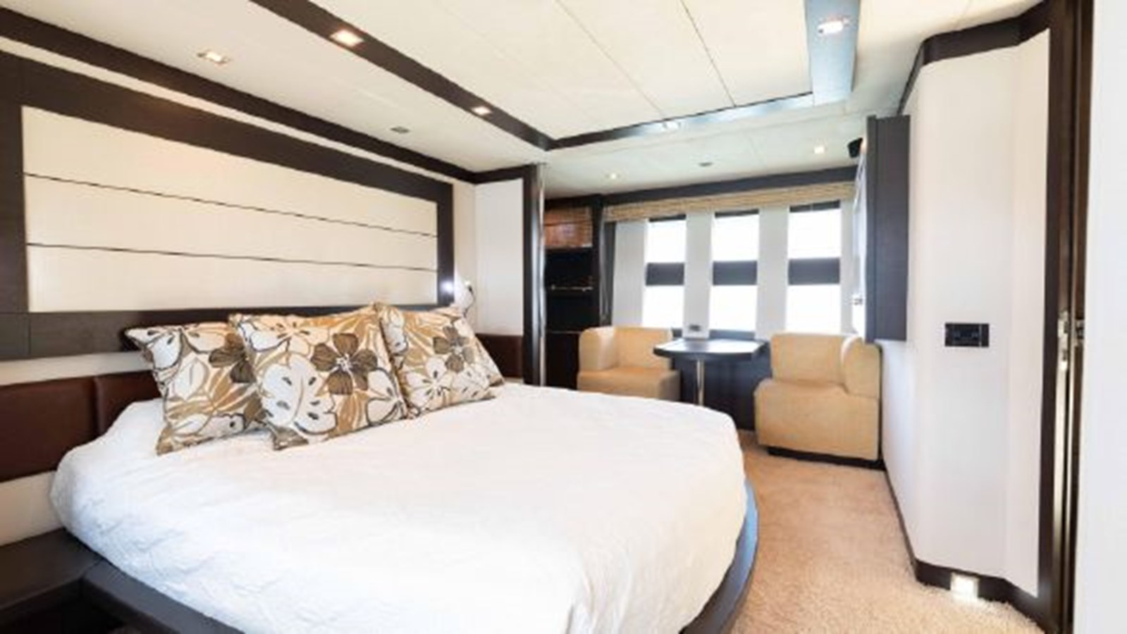 61 Master Cabin 2008 AZIMUT 86S Mega Yacht 2713640