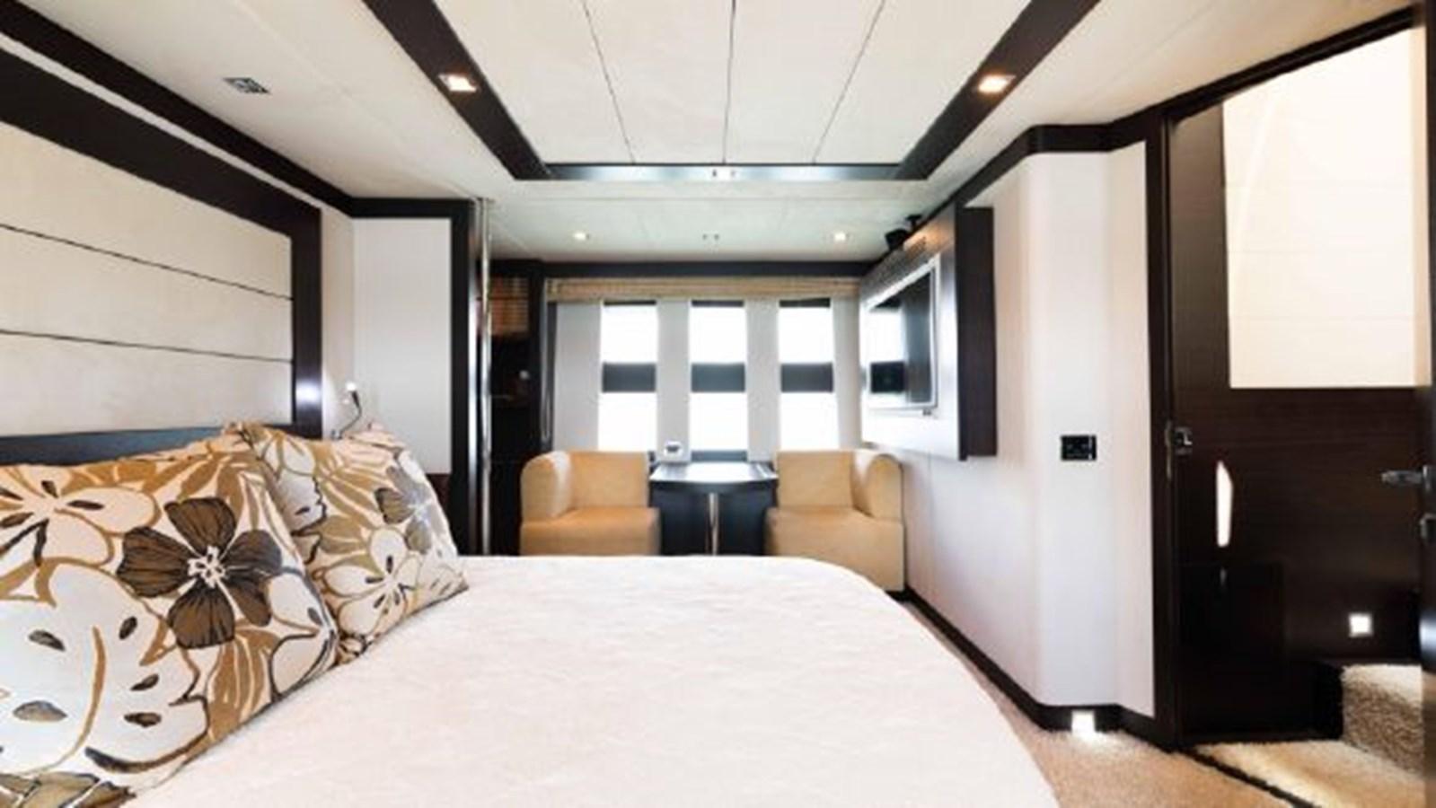 64 Master Cabin 2008 AZIMUT 86S Mega Yacht 2713645