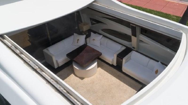 29 Huge Sunroof 2008 AZIMUT 86S Mega Yacht 2713595