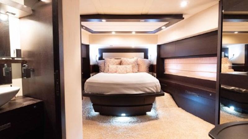 46 VIP Cabin 2008 AZIMUT 86S Mega Yacht 2713630