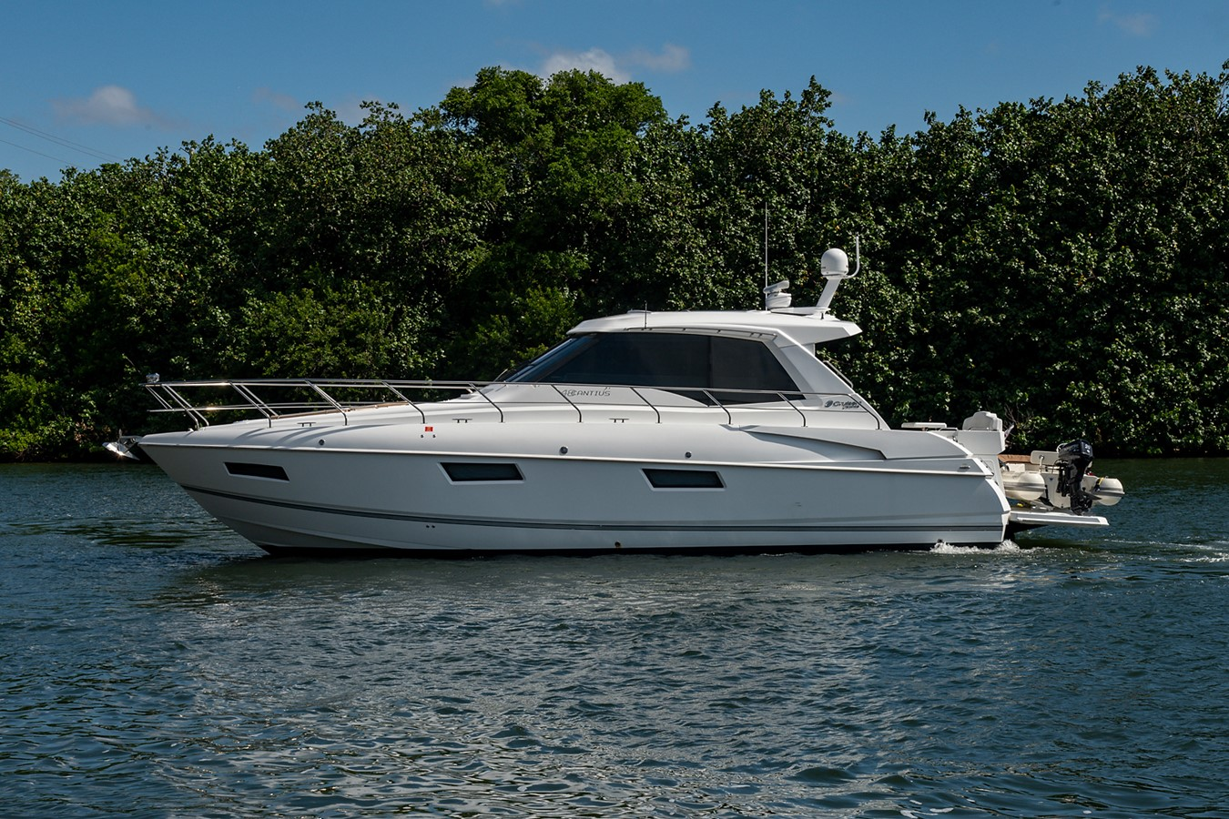 Port Profile 2011 CRUISERS YACHTS Cantius Cruiser 2564037