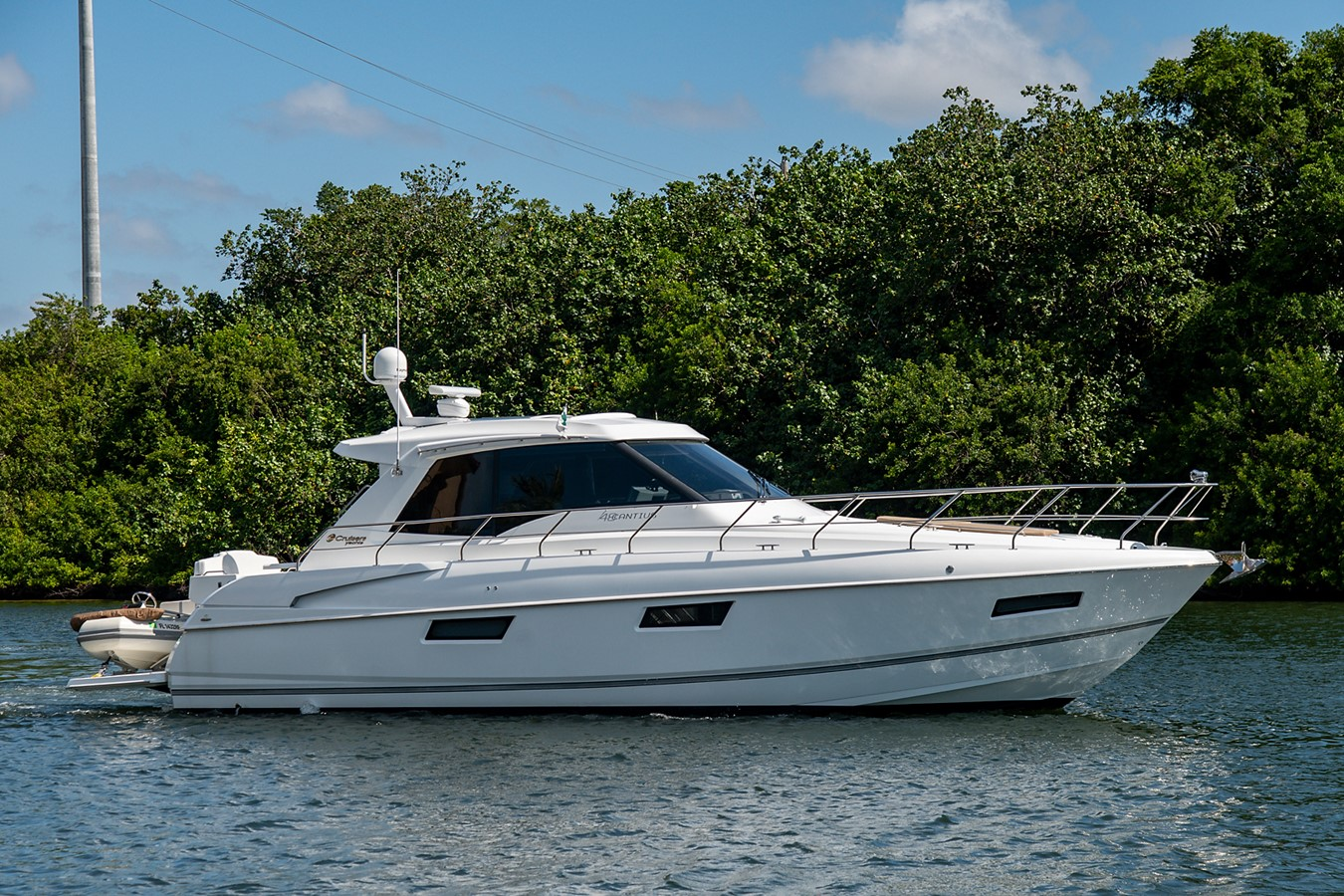 Starboard Profile 2011 CRUISERS YACHTS Cantius Cruiser 2564040