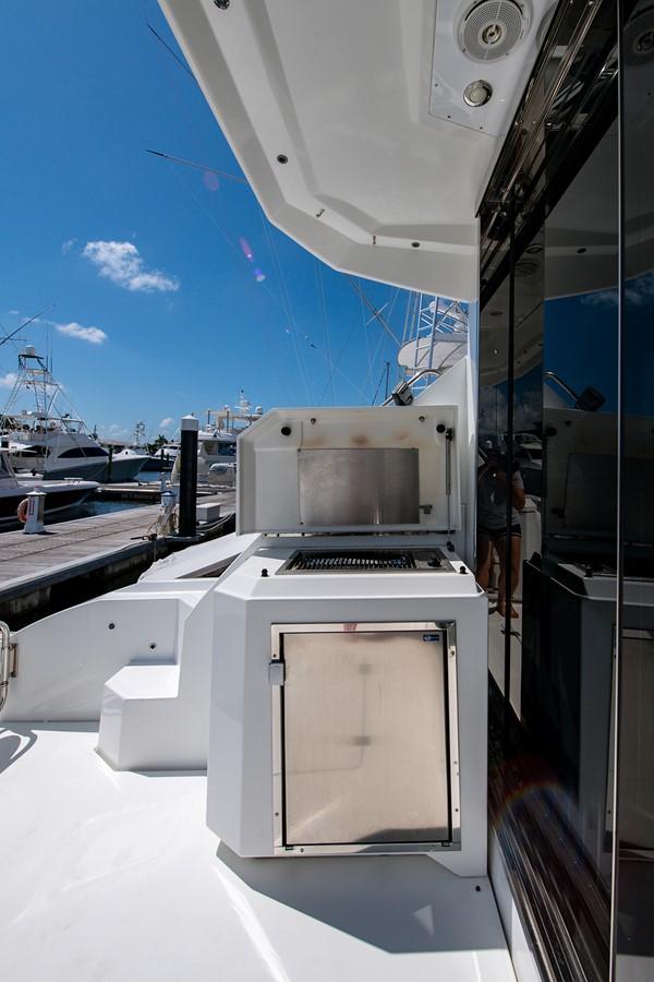 Cockpit 2011 CRUISERS YACHTS Cantius Cruiser 2564073