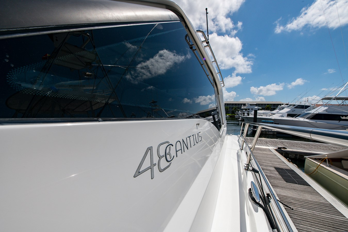 Side Deck 2011 CRUISERS YACHTS Cantius Cruiser 2564078
