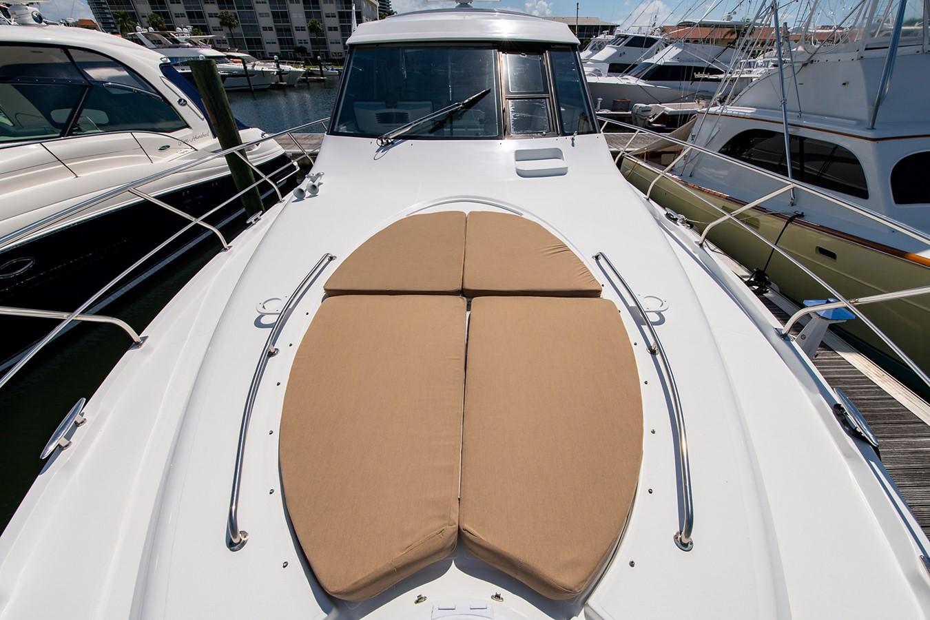 Sunpad 2011 CRUISERS YACHTS Cantius Cruiser 2564082