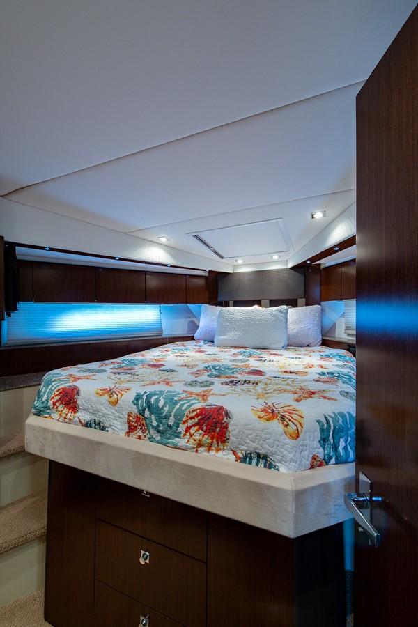 Forward Stateroom 2011 CRUISERS YACHTS Cantius Cruiser 2564092
