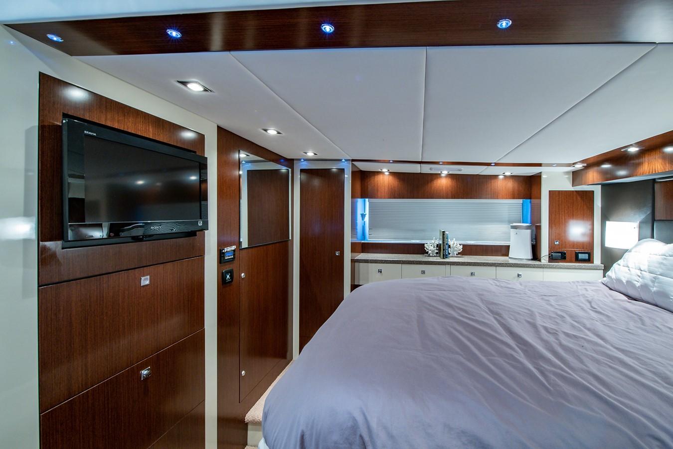 Master Stateroom 2011 CRUISERS YACHTS Cantius Cruiser 2564103
