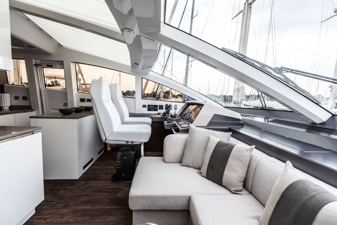 2019 PEARL MOTOR YACHTS Pearl 80 Motor Yacht 2615291