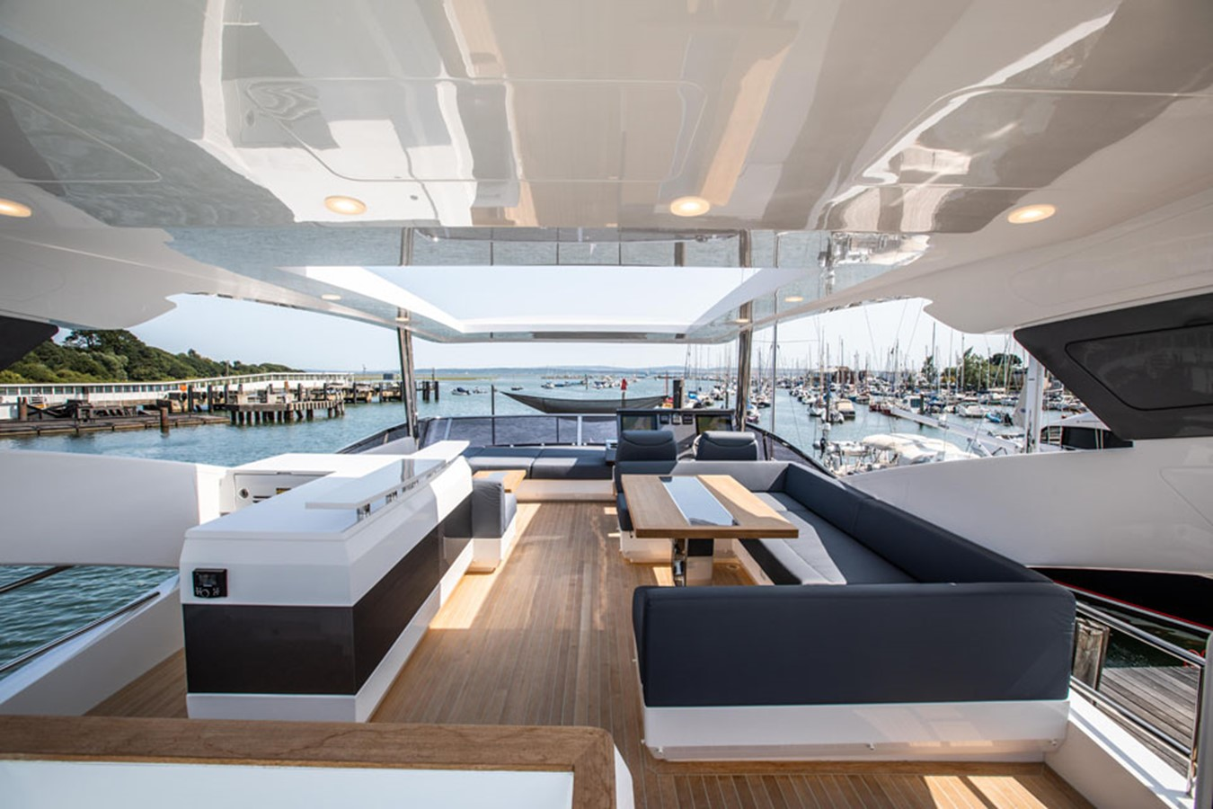 2019 PEARL MOTOR YACHTS Pearl 80 Motor Yacht 2615333
