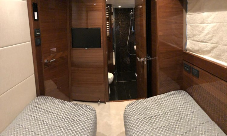 PHOTO-2019-03-29-12-58-06_3 2016 PRINCESS YACHTS Princess 88 Motor Yacht 2571055
