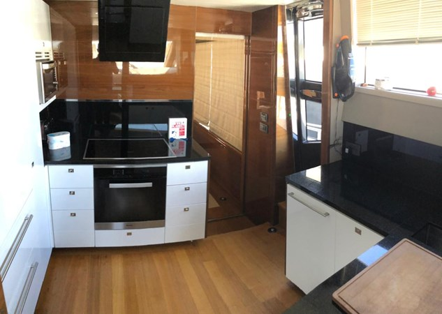 PHOTO-2019-03-29-12-58-11_1 2016 PRINCESS YACHTS Princess 88 Motor Yacht 2571077